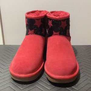 UGG Classic red Mini Sequin Stars ankle Boots US7